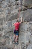 Αναρρίχηση τοίχων βράχου Στοκ Φωτογραφίες
