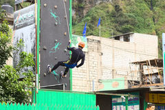 Αναρρίχηση του τοίχου σε Banos, Ισημερινός Στοκ Φωτογραφία