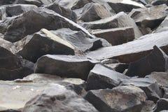 Αναρρίχηση των βράχων στη σειρά στοκ φωτογραφία με δικαίωμα ελεύθερης χρήσης