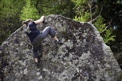 αναρρίχηση των σχοινιών δύο βράχου καλημάνων Στοκ φωτογραφίες με δικαίωμα ελεύθερης χρήσης