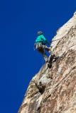 αναρρίχηση των σχοινιών δύο βράχου καλημάνων Στοκ Εικόνα