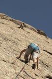 αναρρίχηση των σχοινιών δύο βράχου καλημάνων Στοκ εικόνες με δικαίωμα ελεύθερης χρήσης