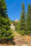 Αναρριχηθείτε στην κορυφογραμμή Zyuratkul κατά μήκος της πορείας των μεγάλων πετρών στοκ φωτογραφία