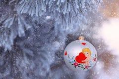 ανασκόπησης η μπλε κιβωτίων καρδιά δώρων ημέρας έννοιας εννοιολογική απομόνωσε τους διαμορφωμένους ακόμα κόκκινο βαλεντίνους καλα Στοκ Εικόνες