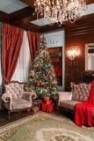 ανασκόπησης κεριών Χριστουγέννων νέο s σύνθεσης σκοτεινό έτος παιχνιδιών βραδιού κλασικά διαμερίσματα με μια άσπρη εστία, ένα δια Στοκ φωτογραφία με δικαίωμα ελεύθερης χρήσης