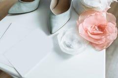 ανασκόπησης κομψότητας καρδιών θερμός γάμος συμβόλων πρόσκλησης ρομαντικός στοκ φωτογραφία με δικαίωμα ελεύθερης χρήσης