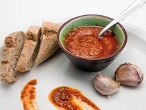 ανασκόπησης κουζίνας εστίασης πορτοκαλιών εκλεκτικό ισπανικό κρασί ρυζιού paella κόκκινο Σάλτσα Picon Mojo από τα Κανάρια νησιά Στοκ φωτογραφία με δικαίωμα ελεύθερης χρήσης