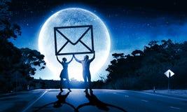 ανασκόπησης μαύρο κείμενο τρία αντανάκλασης ηλεκτρονικού ταχυδρομείου έννοιας διαστατικό Στοκ Φωτογραφίες