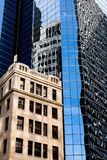 ανασκόπησης μπλε κτηρίων πόλεων υψηλός ορίζοντας Υόρκη ουρανού του Μανχάτταν νέος Μπλε ουρανός, υψηλά κτήρια background city nigh Στοκ εικόνες με δικαίωμα ελεύθερης χρήσης