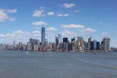 ανασκόπησης μπλε κτηρίων πόλεων υψηλός ορίζοντας Υόρκη ουρανού του Μανχάτταν νέος Στοκ Φωτογραφία