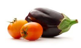 ανασκόπησης φρέσκων κρεμμυδιών αγγουριών φρέσκο λευκό λαχανικών ντοματών στούντιο άνοιξη κρεμμυδιών salat βλασταημένο Στοκ φωτογραφίες με δικαίωμα ελεύθερης χρήσης