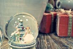 Ανασκόπηση διακοσμήσεων Χριστουγέννων Αναδρομική επίδραση φίλτρων Στοκ φωτογραφίες με δικαίωμα ελεύθερης χρήσης