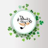 ανασκόπηση ημέρα Πάτρικ s ST Σχέδιο αφισών της Ιρλανδίας με το τριφύλλι διανυσματική απεικόνιση