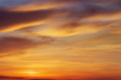 1 ανασκόπηση καλύπτει το νεφελώδη ουρανό Στοκ Εικόνες