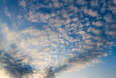 1 ανασκόπηση καλύπτει το νεφελώδη ουρανό Στοκ εικόνα με δικαίωμα ελεύθερης χρήσης