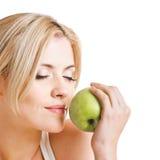 ανασκόπηση μήλων υγιής πέρα από τη λευκή γυναίκα Στοκ φωτογραφία με δικαίωμα ελεύθερης χρήσης