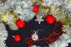 Ανασκόπηση με τις σφαίρες Χριστουγέννων Στοκ εικόνα με δικαίωμα ελεύθερης χρήσης