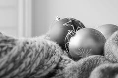 Ανασκόπηση με τις σφαίρες Χριστουγέννων Στοκ φωτογραφίες με δικαίωμα ελεύθερης χρήσης