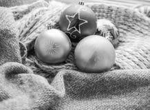 Ανασκόπηση με τις σφαίρες Χριστουγέννων Στοκ Φωτογραφίες