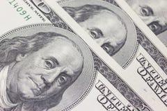 Ανασκόπηση με τους λογαριασμούς δολλαρίου ΗΠΑ χρημάτων (100$) Στοκ Εικόνες