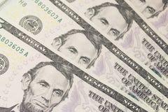 Ανασκόπηση με τους λογαριασμούς δολλαρίου ΗΠΑ χρημάτων (5$) Στοκ Φωτογραφία
