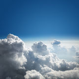 Ανασκόπηση μπλε ουρανού και σύννεφων Στοκ Εικόνα