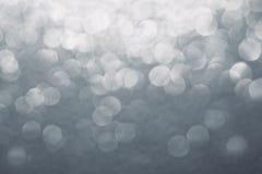 ανασκόπηση που θολώνεται αφηρημένη Άσπρο και γκρίζο υπόβαθρο Στοκ φωτογραφία με δικαίωμα ελεύθερης χρήσης