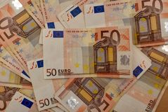Ανασκόπηση των ευρο- λογαριασμών Στοκ φωτογραφίες με δικαίωμα ελεύθερης χρήσης
