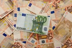 Ανασκόπηση των ευρο- λογαριασμών Στοκ φωτογραφία με δικαίωμα ελεύθερης χρήσης