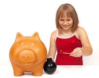 ανατίναξη τραπεζών piggy Στοκ φωτογραφία με δικαίωμα ελεύθερης χρήσης