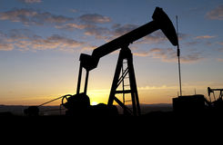ανατολή αντλιών πετρελαί&omi