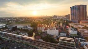 Ανατολή κτύπημα-NA της Μπανγκόκ πρωινού, άποψη πόλεων scape στη μητρόπολη ο στοκ εικόνες