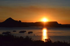 Ανατολή πέρα από τη λίμνη Powell Στοκ Φωτογραφία