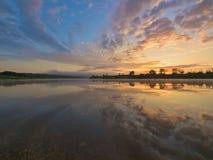 ανατολή ποταμών στοκ εικόνα με δικαίωμα ελεύθερης χρήσης