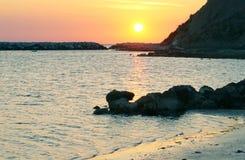 Ανατολή στην ακτή Στοκ Εικόνες