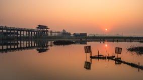 Ανατολή στη γέφυρα Amarapura, Mandalay, το Μιανμάρ του U bein στοκ φωτογραφία με δικαίωμα ελεύθερης χρήσης