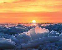 Ανατολή στη λίμνη Baikal το χειμώνα, ανατολική Σιβηρία στοκ φωτογραφίες με δικαίωμα ελεύθερης χρήσης