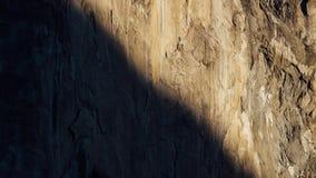 Ανατολή στους τοίχους γρανίτη σε Yosemite απόθεμα βίντεο