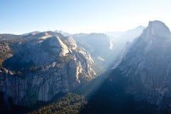 Ανατολή στο μισό θόλο σε Yosemite Στοκ Φωτογραφίες