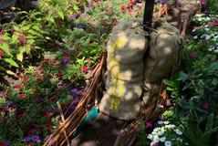 ΑΝΑΤΟΛΗ GRINSTEAD, ΔΎΣΗ SUSSEX/UK - 17 ΙΟΥΝΊΟΥ: Πολεμικός αναμνηστικός κήπος ι Στοκ Εικόνες