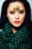 Ανατολική πραγματική μουσουλμανική γυναίκα ομορφιάς με στενό επάνω κοσμήματος, WI νυφών Στοκ εικόνα με δικαίωμα ελεύθερης χρήσης