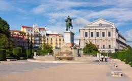 Ανατολικό τετραγωνικό Plaza de Oriente και βασιλικό θέατρο Teatro πραγματικό, Μαδρίτη, Ισπανία Στοκ φωτογραφία με δικαίωμα ελεύθερης χρήσης
