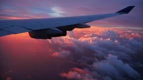 Ανατολή επάνω από το φτερό αεροπλάνων Στοκ Εικόνες