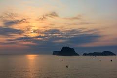 Ανατολή θάλασσας και ουρανού στο AO Prachuab, Prachuap Khiri Khan, νότος της Ταϊλάνδης Στοκ φωτογραφία με δικαίωμα ελεύθερης χρήσης