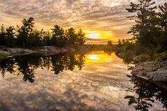 Ανατολή λιμνών Στοκ Εικόνες