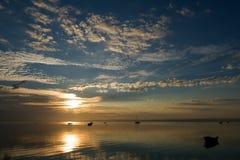 Ανατολή με τις βάρκες Στοκ φωτογραφίες με δικαίωμα ελεύθερης χρήσης