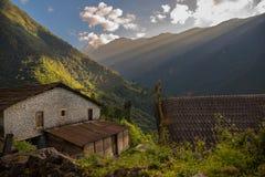 Ανατολή πέρα από την περιοχή του χωριού Annapurna Chomrong, Νεπάλ Στοκ φωτογραφίες με δικαίωμα ελεύθερης χρήσης