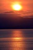 Ανατολή πέρα από τη λίμνη Rotorua Στοκ Φωτογραφίες