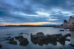 Ανατολή πέρα από τη θάλασσα σε Porec στην Κροατία στοκ εικόνες