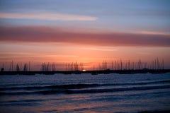 Ανατολή πέρα από τη θάλασσα Στοκ Εικόνες